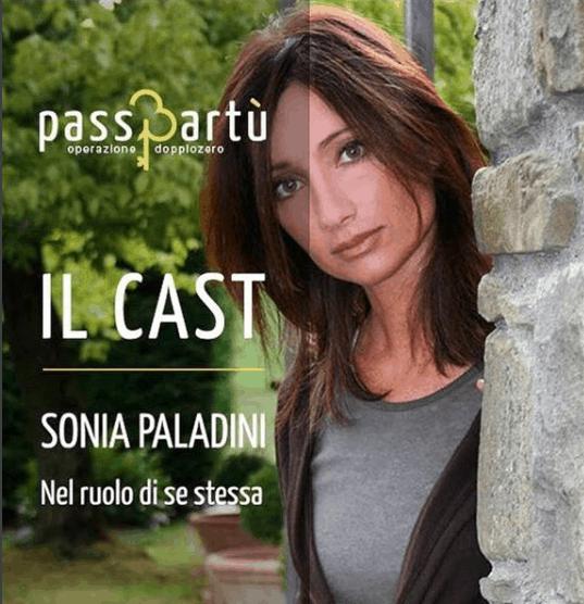 Sonia Paladini nel film Passpartù operazione doppio zero