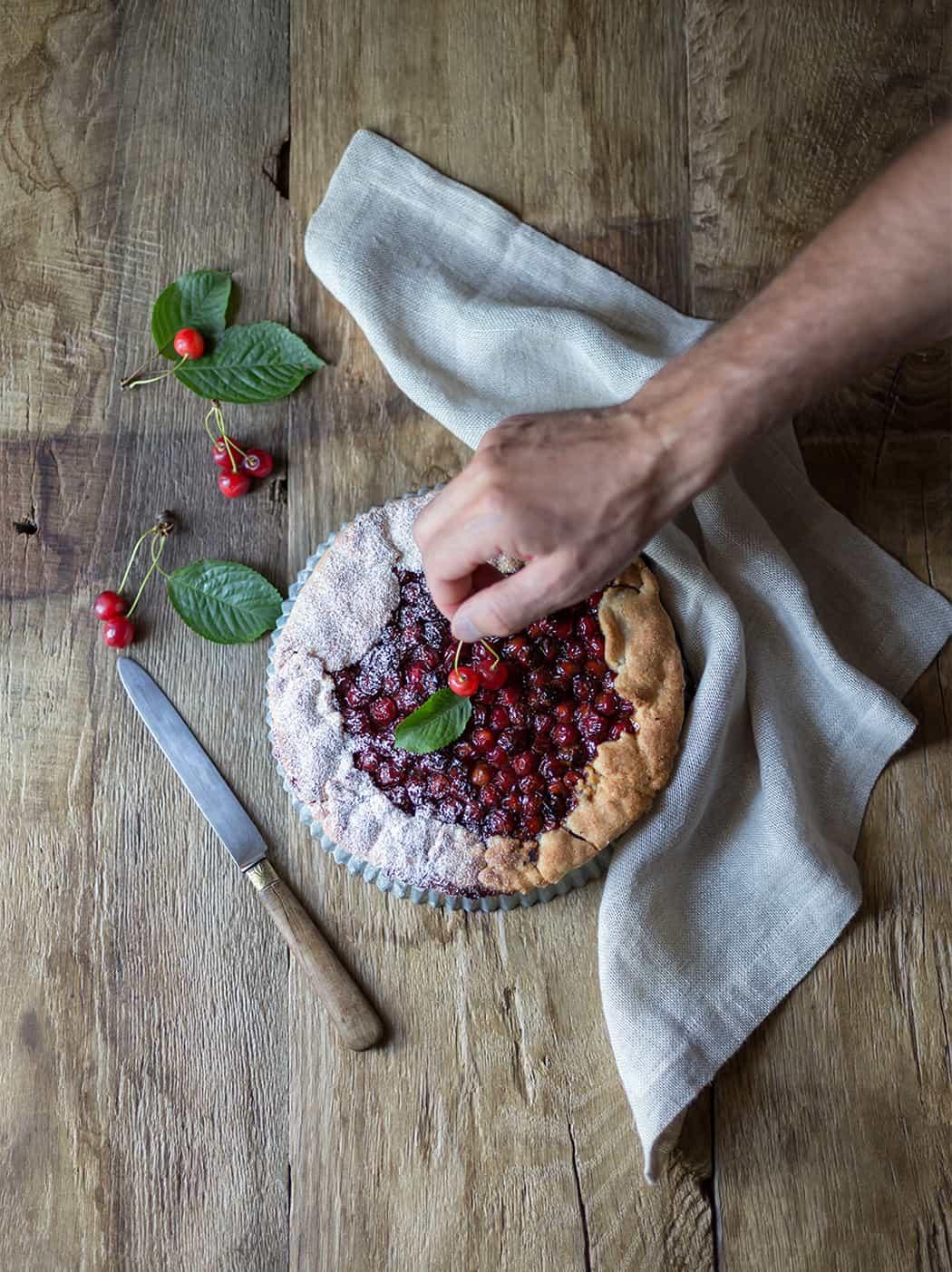 ricetta crostata con ciliegie