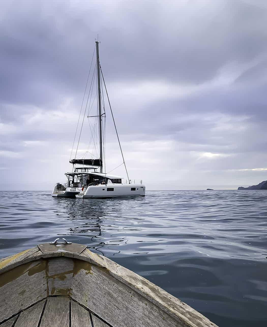 barca a vela catamarano