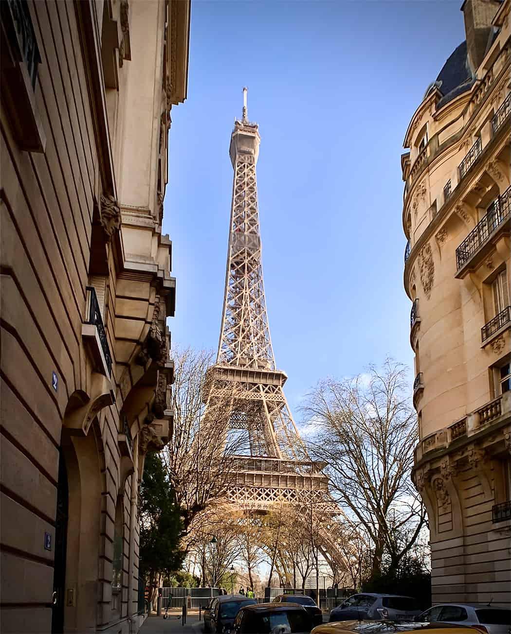 Rue de Buenos Aires la Tour Eiffel
