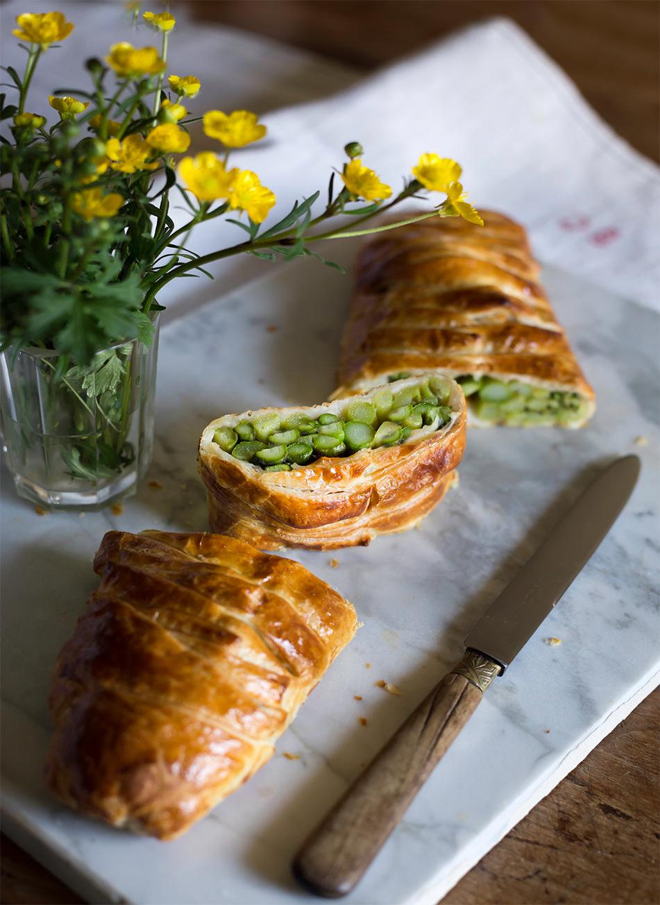 ricetta torta salata con asparagi