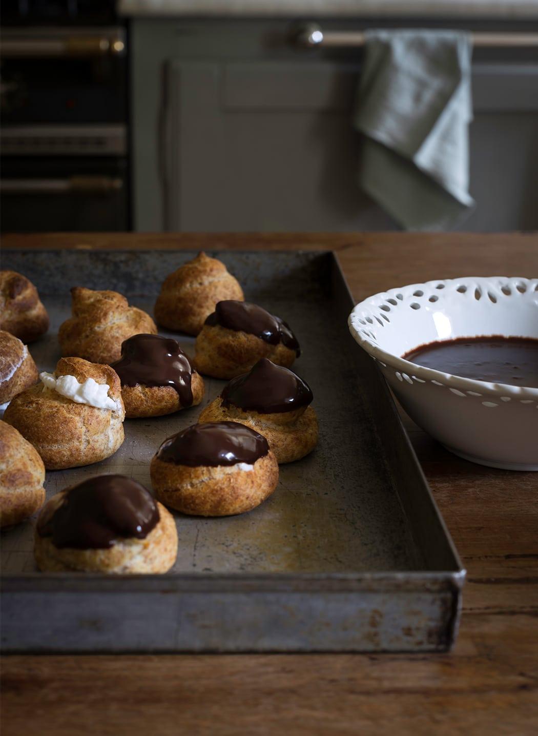 profiteroles ricetta facile con panna e cioccolato